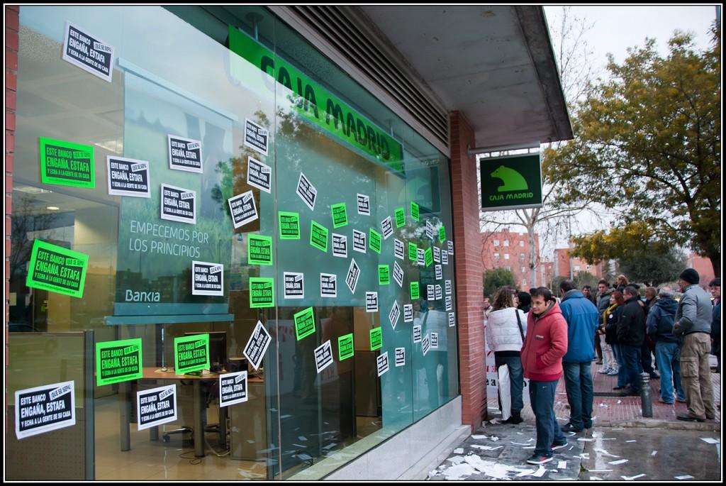 Acción en apoyo de José Manuel y María Ángeles en Bankia Espartales.